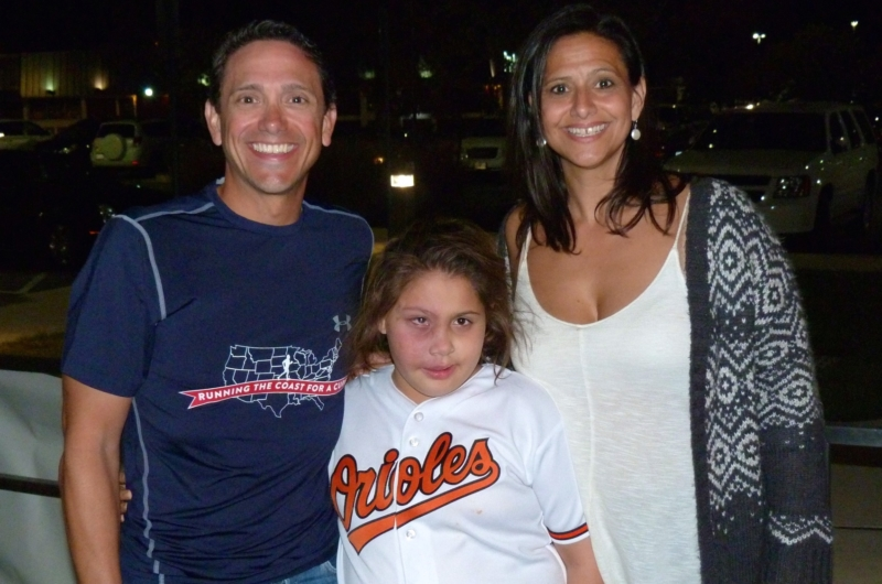 Al DeCesaris with niece Jenna Heck and her mother Ida, Al's sister (photo courtesy of BobMelamud).